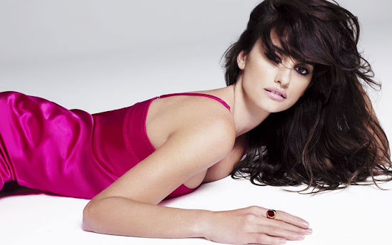 Penelope Cruz Latest Hollywood Actress Wallpaper