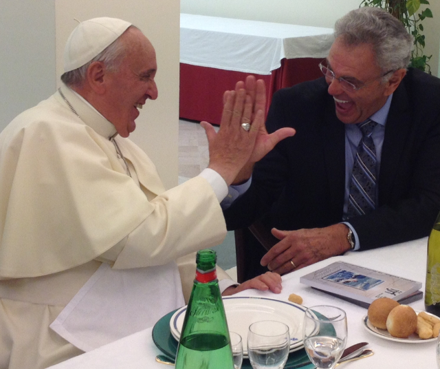 Evangelical leader High-fives the Pope