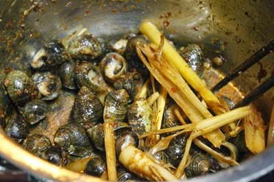 Stir fried Snails with Lemongrass and Chili - Ốc Xào Sả Ớt