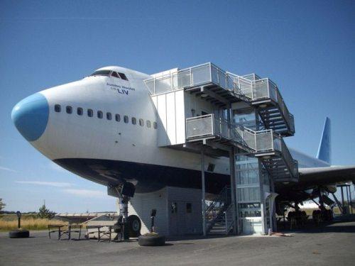 Jumbo Hostel Arlanda airport hotel in Old Boeing-747_MyClipta