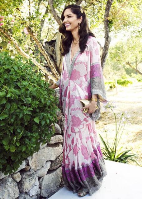 Eugenia Silva en la boda de Adriana Abascal, con kafkán