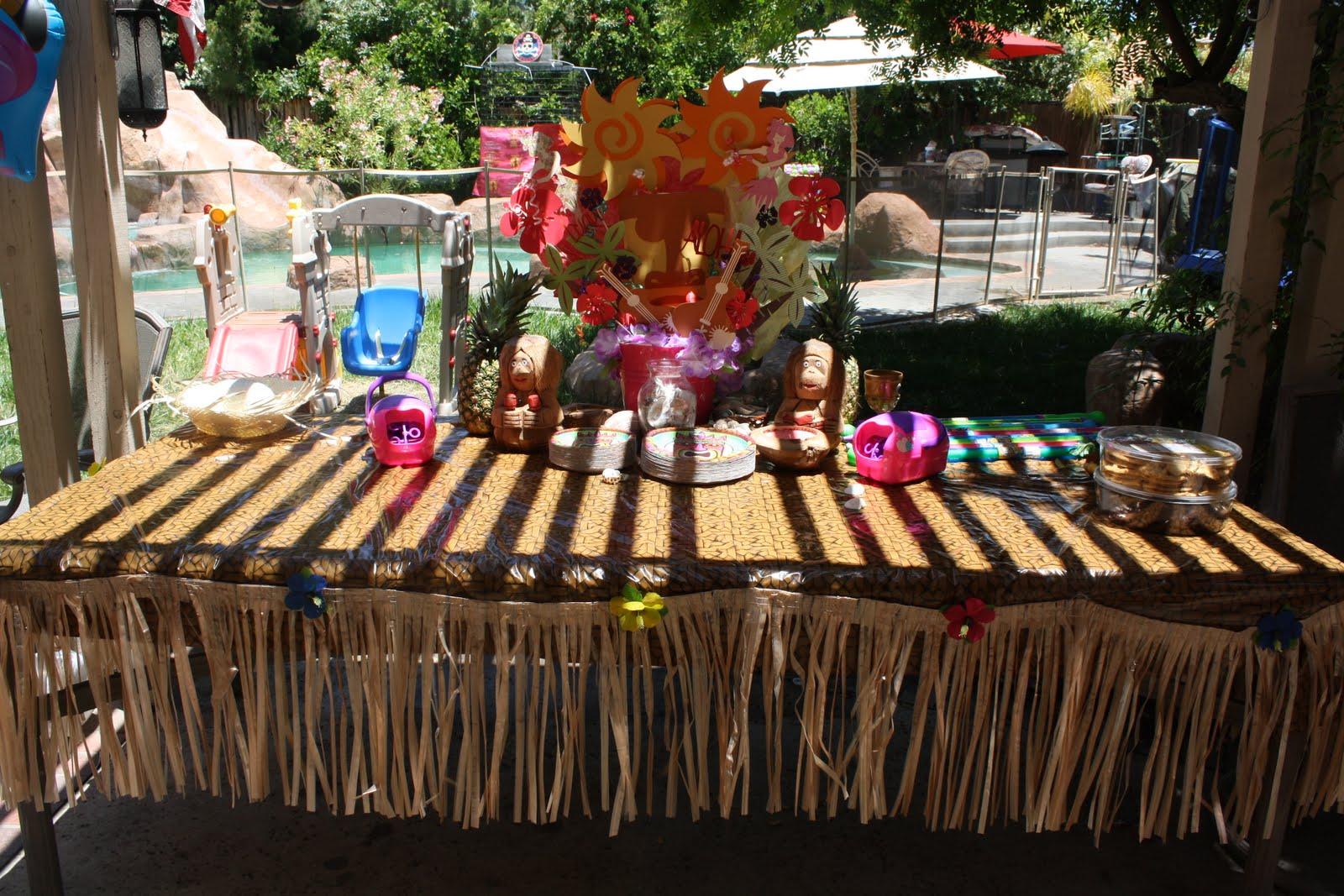 Krafty Mama Of 5: Luau Centerpieces 2011 Birthday Pool Party ! :):