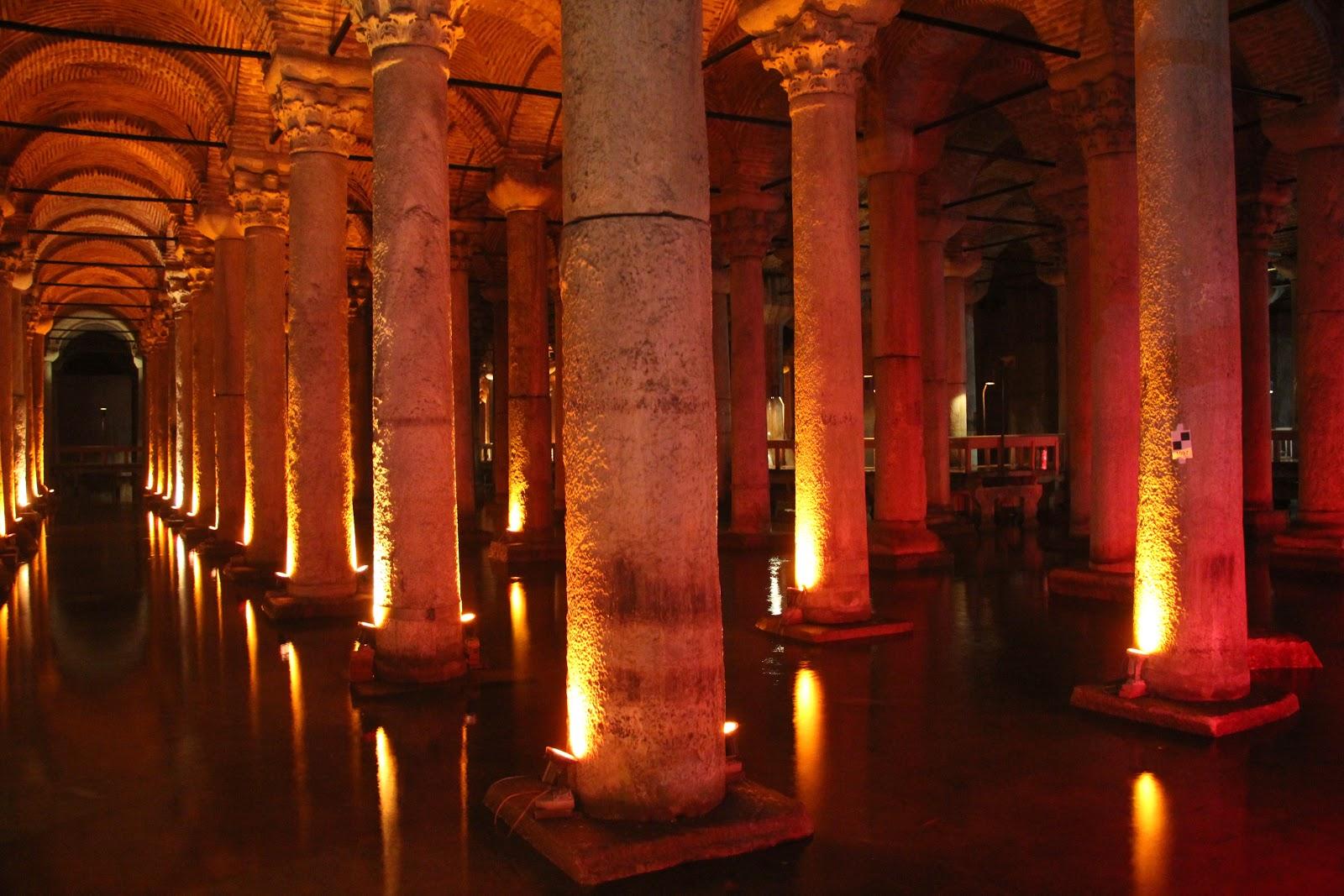 http://3.bp.blogspot.com/-aaawjGgFnyI/T32YaYDd5RI/AAAAAAAAAdg/qA42v1A7tY0/s1600/Istanbul+Cistern.JPG