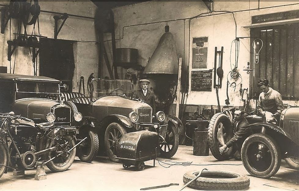 vintage car shop