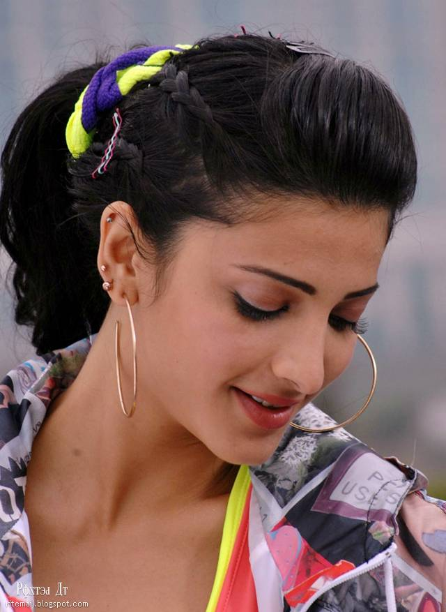 Shruthi Hassan Photos stills from 7th Sense | Entertainment Blog ...