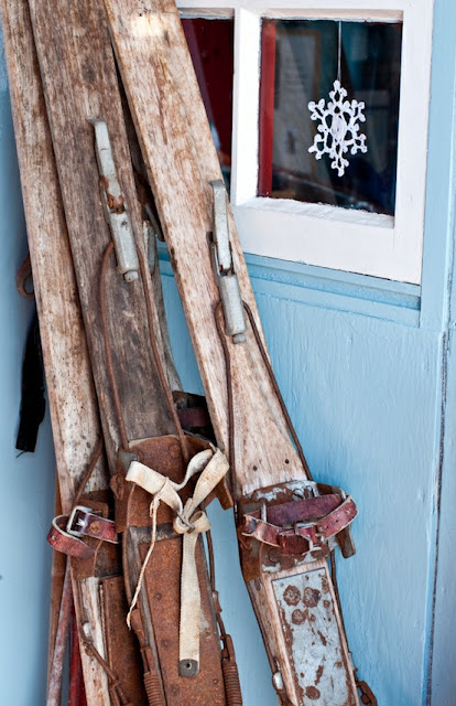 Decorating with Vintage Skis - The Wicker House