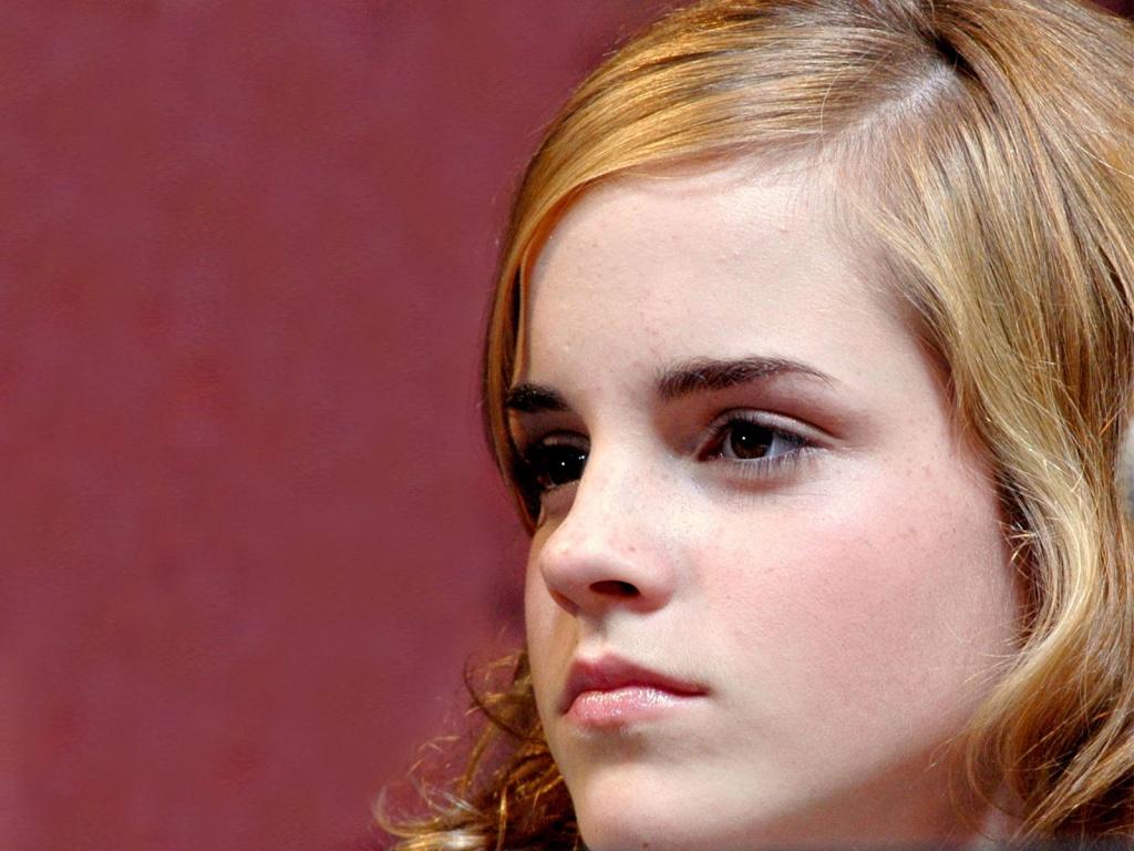 http://3.bp.blogspot.com/-aan9bpZ2mCw/T9iwKJ7biJI/AAAAAAAAB7U/CVsVbaWXJOA/s1600/emma-watson-close-up-gorgeous-face.jpg