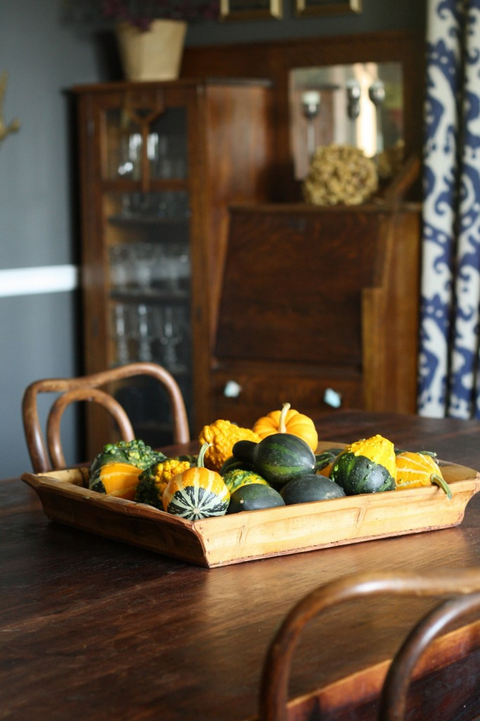 Beautiful fall decorations to make taryn whiteaker for Beautiful homes decorated for fall