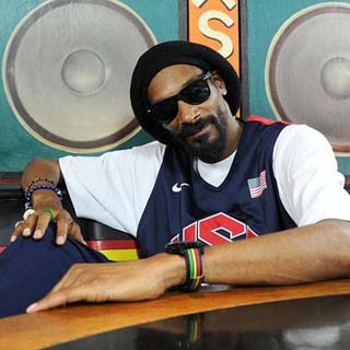 Snoop Lion – No Guns Allowed Lyrics | Letras | Lirik | Tekst | Text | Testo | Paroles - Source: emp3musicdownload.blogspot.com