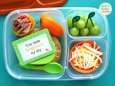 DIY mini pizza school lunch