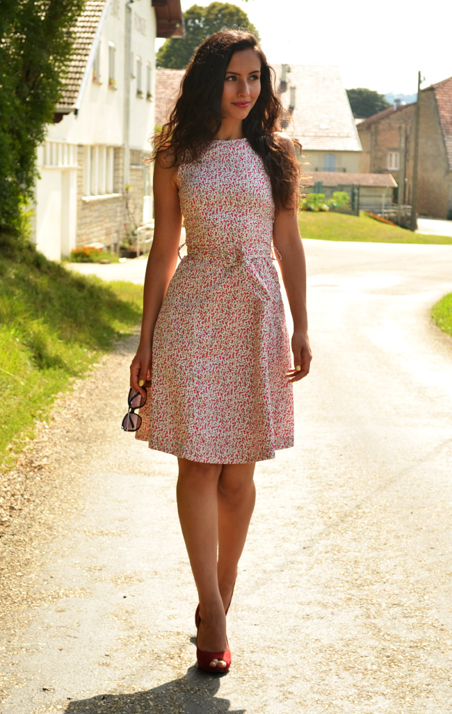 Popular French Girl Wardrobe Dress Up Dress Yourself Like A French Woman