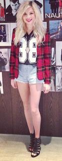 nina nesbitt style flannel shirt shorts