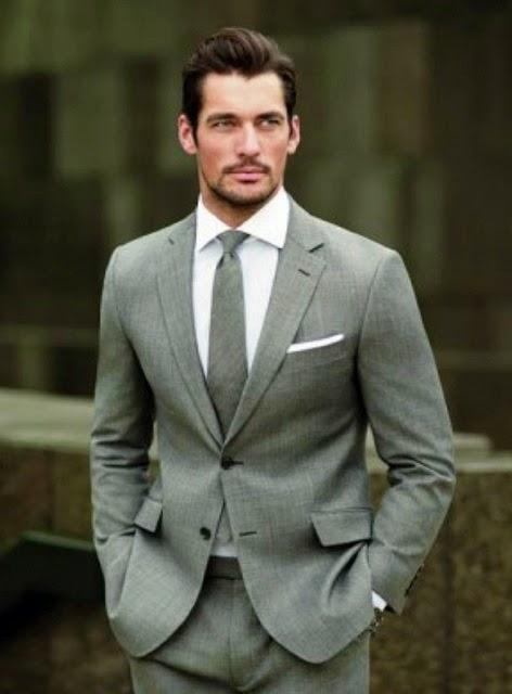traje hombre gris