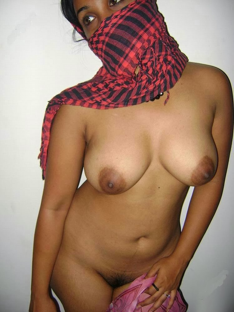 Hot Desi Girlfriend Lekha Full Nude Pics indianudesi.com