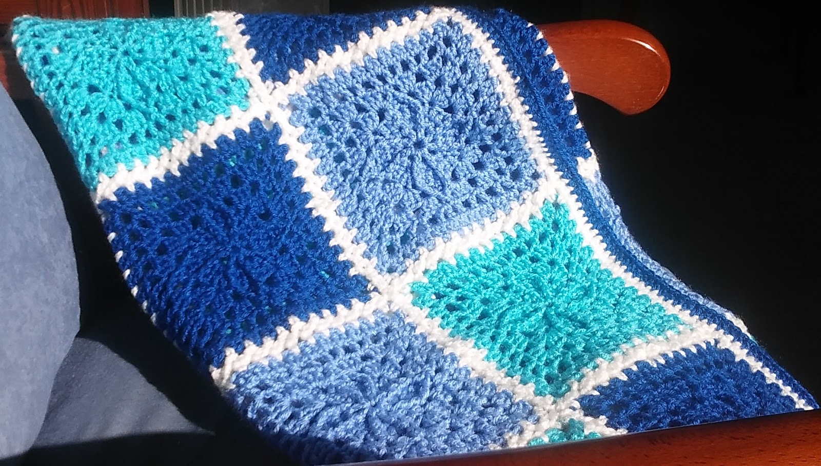 Easy Knitting Patterns For Blanket Squares : Crochet & Knitting: Blanket, Squares.