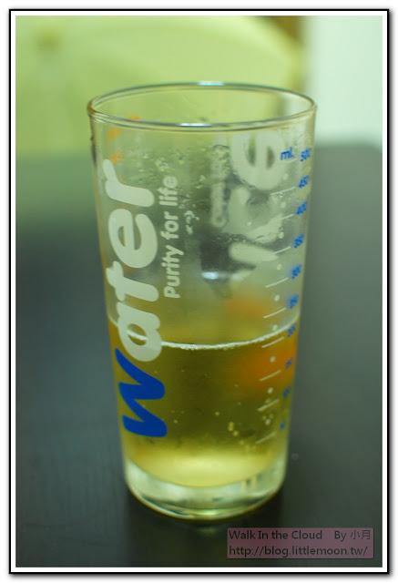 香檳與我可愛的玻璃水杯