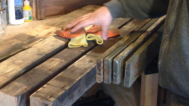 Pallet wood preparation