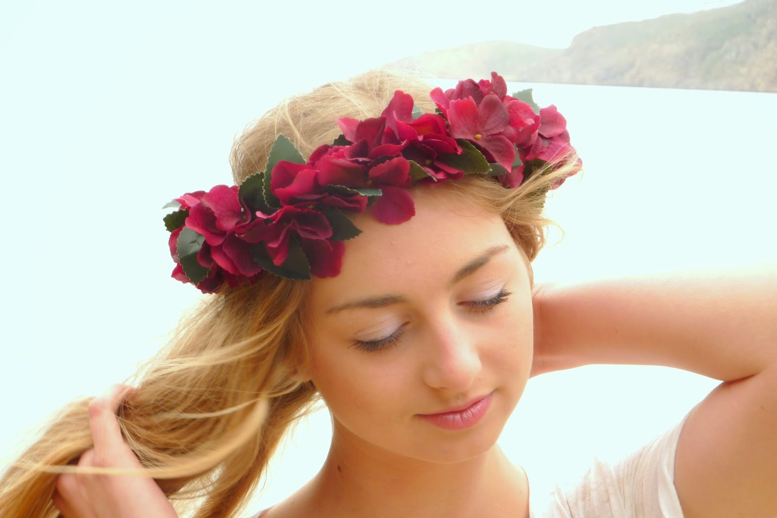 Red flower crown summer day flower crown rose headband rose crown red flower crown summer day flower crown rose headband rose crown wedding hair red flower girl crown hair wreath izmirmasajfo