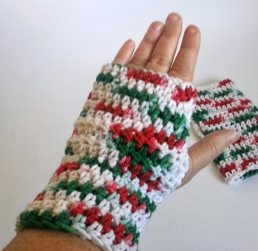Crochet Dynamite: Crazy Simple One Hour Wrist Warmers