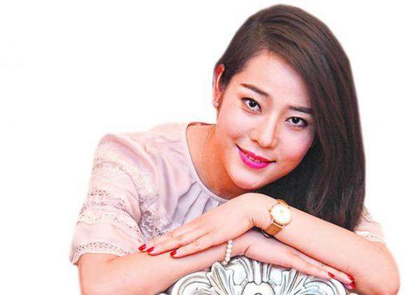 Emma Li, 李媛媛 (Lǐ yuàn yuàn), 29, her home town in Chengdu, Sichuan, China