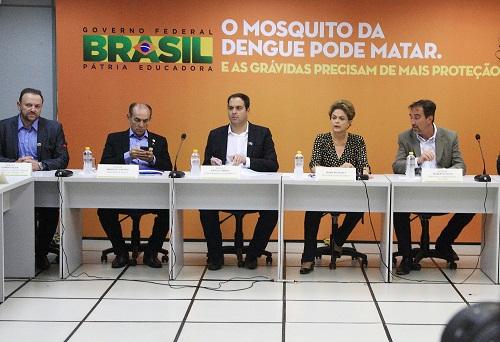 http://www.blogdofelipeandrade.com.br/2015/12/microcefalia-pernambuco-sera-referencia.html