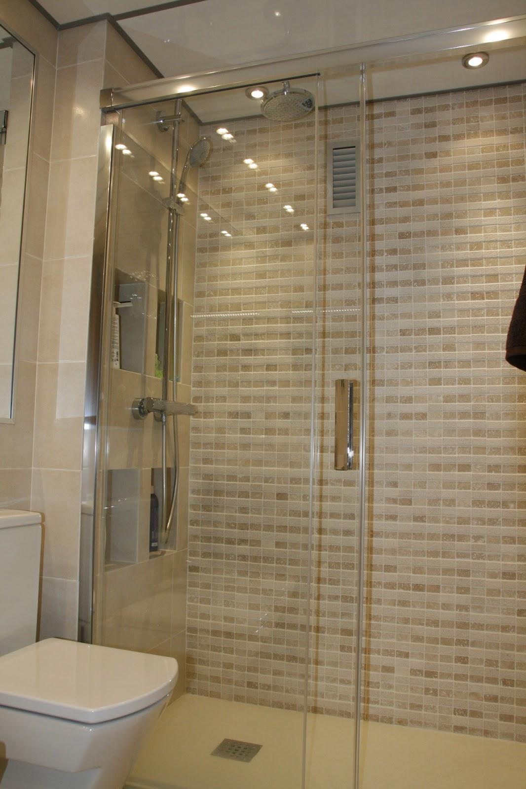Grupo inventia ba os for Aseos modernos con ducha
