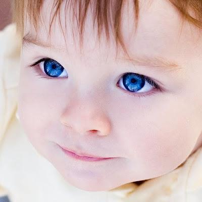 Lindos bebês com lindos olhos