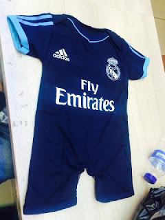 gambar desain terbaru jersey musim depan foto photo kamera Jumper bola bayi Real Madrid third terbaru musim 2015/2016 di enkosa sport toko online terpercaya lokasi di jakarta pasar tanah abang