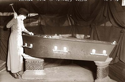 Dead Embalmed Bodies In Coffin http://househistoryman.blogspot.com/2012/04/your-old-house-had-dead-bodies-in-it.html