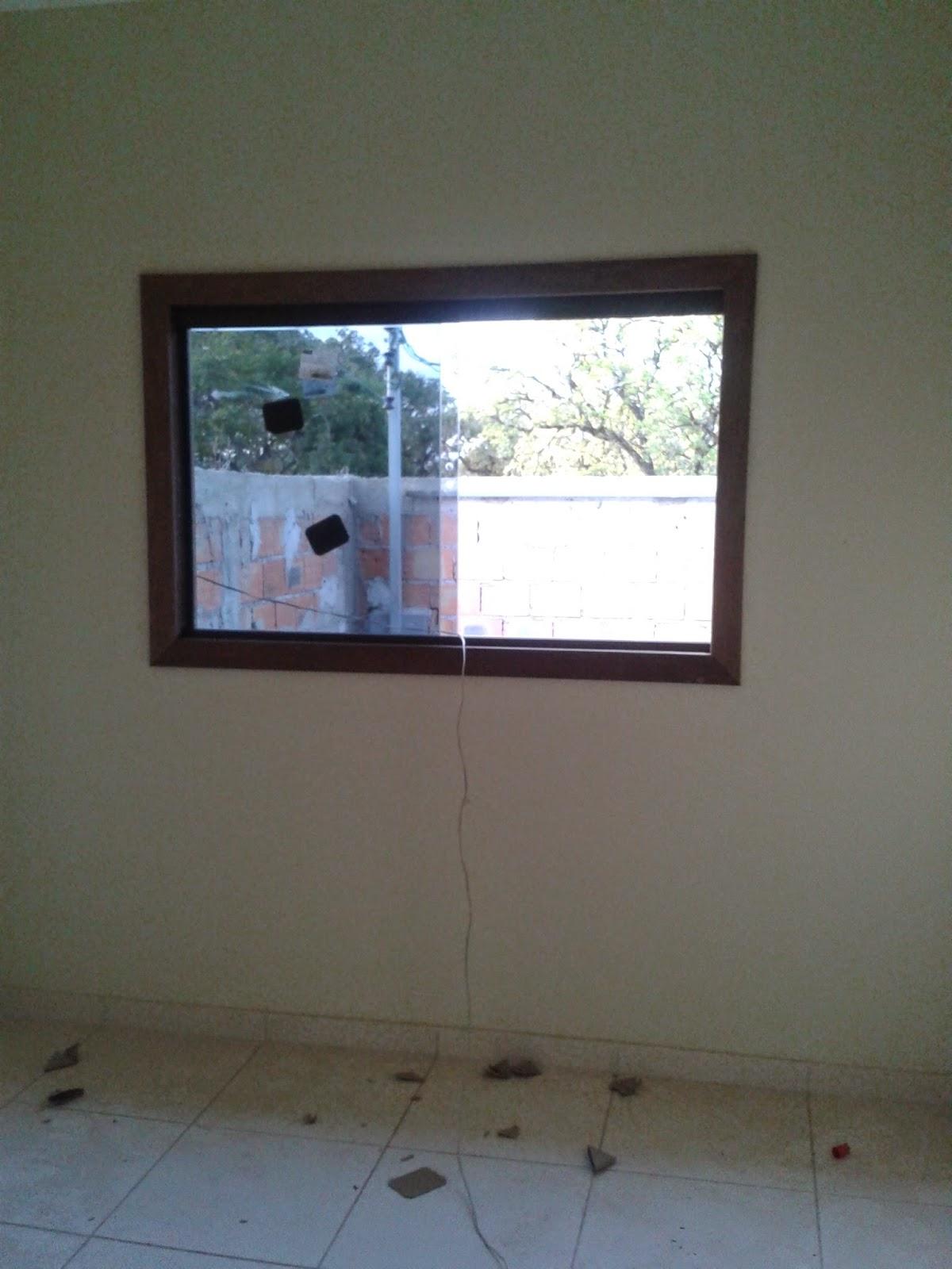 #396192 das janelas dos quartos e da sala optamos por marcos e alisar de  40 Janelas De Vidro Cortina