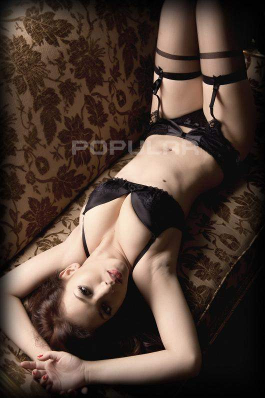 Kumpluan Foto Hot Zahra Jasmine Dimajalah Popular