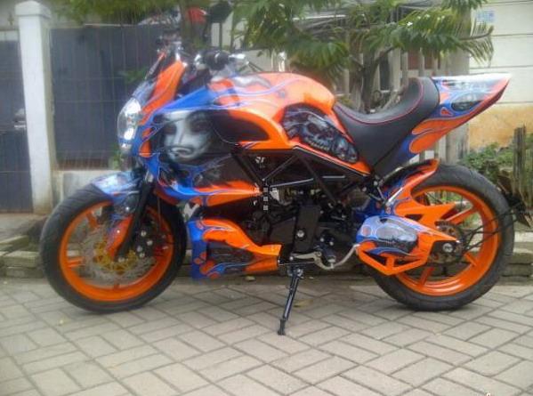 Modifikasi Yamaha Byson Ducati Diavel title=