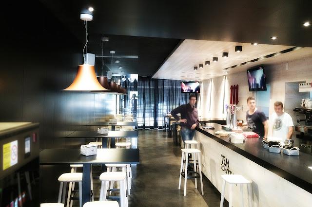 Proyecto de interiores para cafetería ten con ten