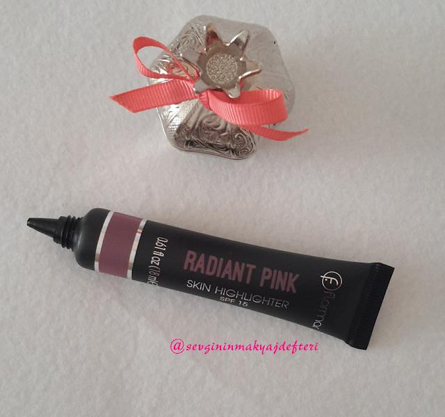 Flormar-Pin-Up-kolleksiyonundan-Radiant-Pink-skin-Highlighteri-makyaj-blogları-