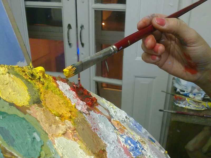 los colores en la paleta para joven en valle del omo