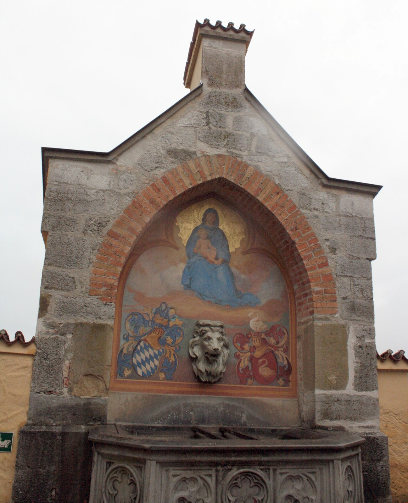 A well with the images of the Virgin Mary, Bavarian and Schwangau crestsThe Tipsy Terrier blog