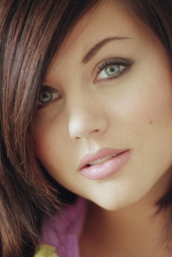 Hollywood Hot Actress Tiffani Amber Thiessen Photo Gallery