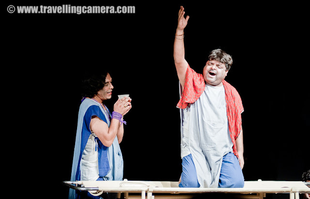 Annual Summer Theatre Festival at NSD: A feast for the eyes : Shimla, Vandana Bhagra : Photo credits: VJ Sharma - The atmosphere is upbeat, enthusiasm is at its peak and concentration levels are at their highest as theartists can be seen rehearsing for the evening's performance at the National School of Drama (NSD)auditorium. Every year NSD's Repertory Company, which organizes plays at the professional level, holdsthe Annual Summer Theatre Festival, a one month siesta for theatre artists and fans beginning 19thMay to 16th June. During this month all the action shifts to Kamani Auditorium in Mandi House and theSammukh Auditorium in NSD campus, where eight plays will be showcased.These being 1. Baanbhatt ki Atmakatha (19th - 22nd May 2011); 2. Ram Nam Satya Hai (23rd - 26thMay 2011); 3. Little Big Tragedies (27th - 29th May 2011); 4. Comrade Kunbhakaran (30th May - 2ndJune 2011); 5. Blood Wedding (3rd - 5th June 2011); 6. Jaat na Poochho Sadhu ki (6th - 9th June 2011);7. Begum ka Takiya (10th - 12th June 2011);inally 8. Kafka - Ek Adhyay (13th - 16th June 2011).Each play will be showcased for four days and despite this fact there is still shortage of tickets as mostof these are already sold. Theatre is becoming a popular means of entertainment not only for thoseperforming but also for those who take a well deserved break from watching the movies. So as a cautionbook in advance if you wish to catch these shows.Baanbhatt ki Aatmakatha, Directed by MK Raina was the first play to be featured to a full audiencewhich left them mesmerized at the intensity and the aura at which it was performed. The colourfulcostumes, the intense expressions, perfect dialogue delivery and powerful performances were theorder of the evening. MK Raina is an eminent theatre and media personality who graduated fromNSD in 1970 and since then he has been a pillar to the NSD sophomore's as he has directed and actedin more than 100 plays. Other achievements include production and direction of many televisionserials, translations and adaptation of several plays into Hindi, as well as association with prominentnational and international directors. Artistic director of Prayog, and founder-member, Sahmat, hismajor theatrical productions include Kabira Khada Baaza Mein, Three Sisters, Mother, Evam Indrajit,Banbhatta Ki Aatmakatha, amongst others.Raina is strong believer in
