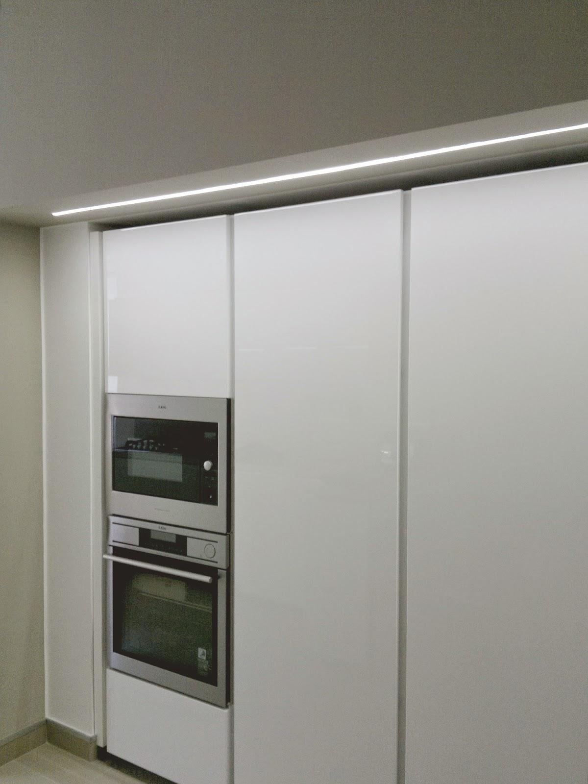 Illuminazione led casa torino ristrutturando un appartamento - Striscia led cucina ...