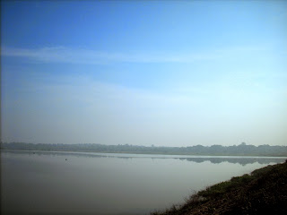 Hessaraghatta Lake in the early morning mist