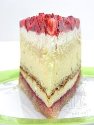 Holunderblütensirup Torte mit Pfefferminz und Erdbeeren