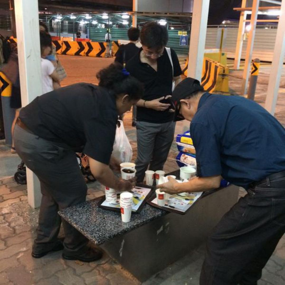 Kind gestures help ease tension at stations