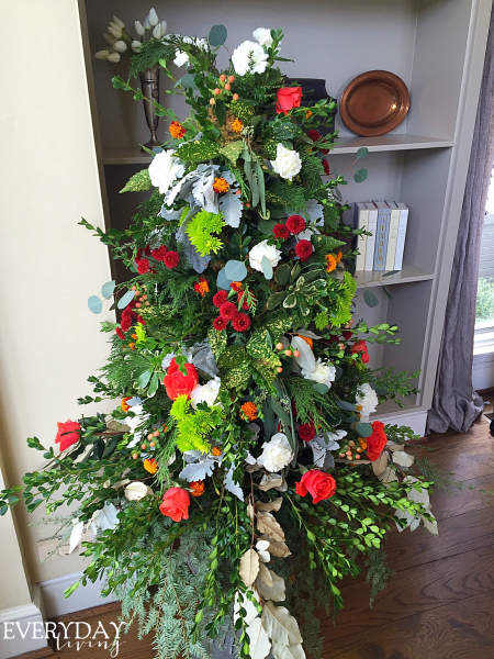 Christmas Tree w/ fresh flowers