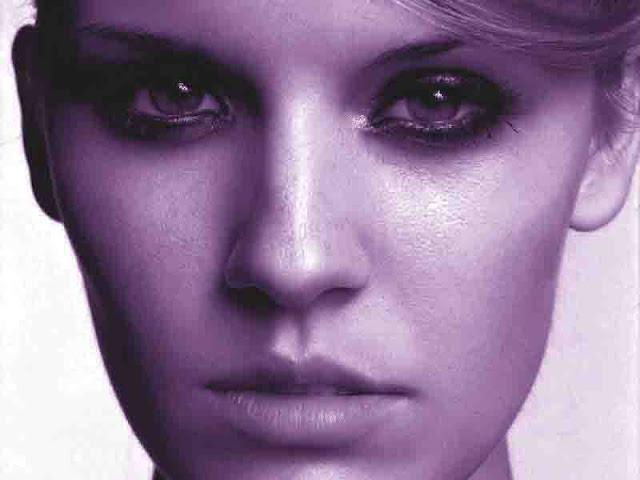 Añil Photoshop Action para blanco y negro que deja en las fotos un precioso color azul violeta