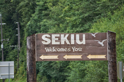 welcome sign for Sekiu