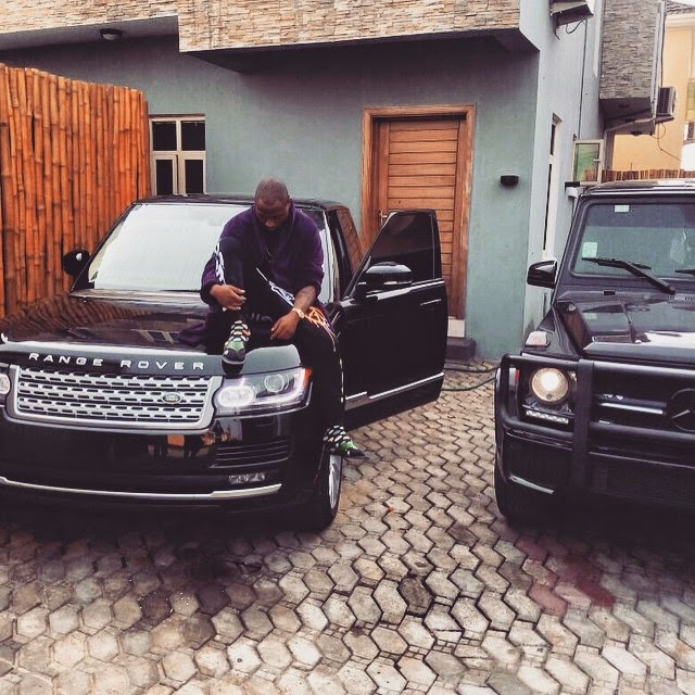 Davido Shows Off His Range Rover and Mercedes Benz G-Wagon SUV