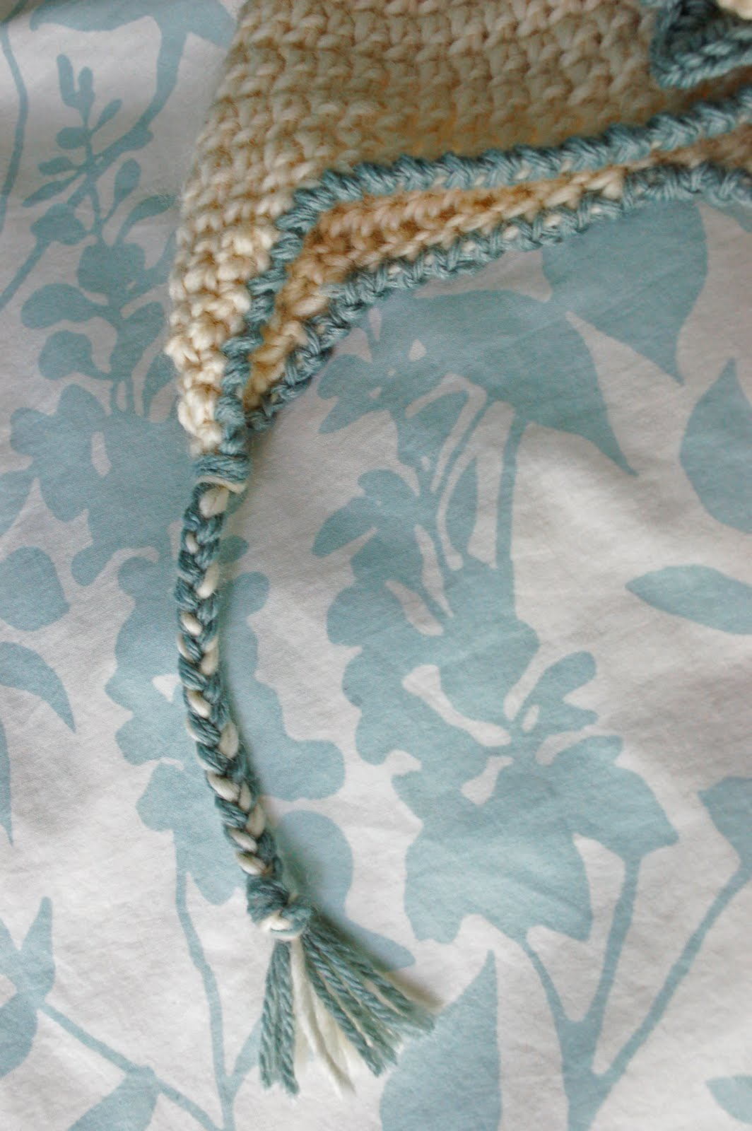 Alli crafts free pattern baby earflap hat newborn free pattern baby earflap hat newborn bankloansurffo Images