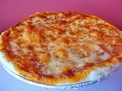 Pizza Margherita reteta