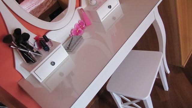 Sogni di zucchero filato blog make up table 3 - Toletta con specchio ...