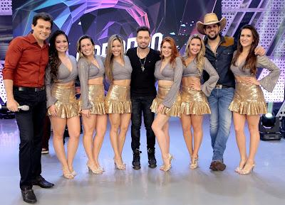 Celso Portiolli com Fernando e Sorocaba e as Bailarinas_Foto Lourival Ribeiro_SBT
